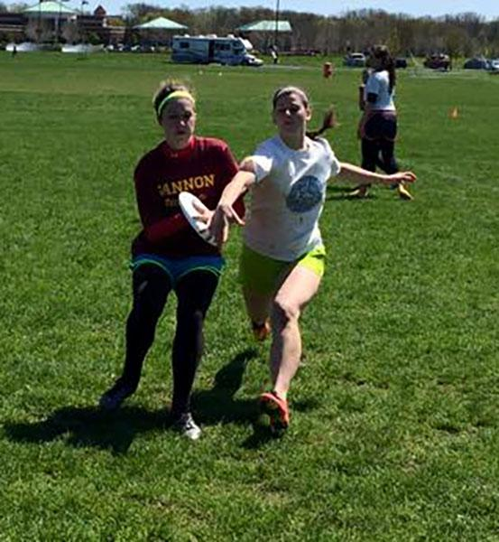 Ultimate Frisbee competes at regionals