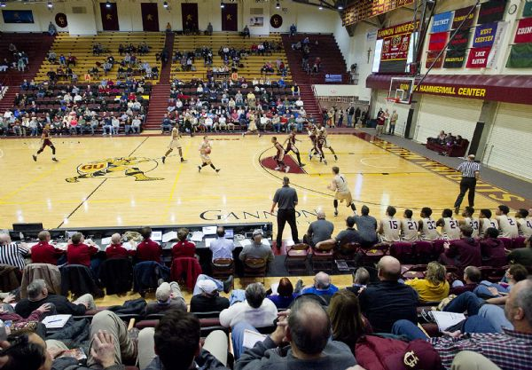Basketball programs open seasons with D I exhibitions