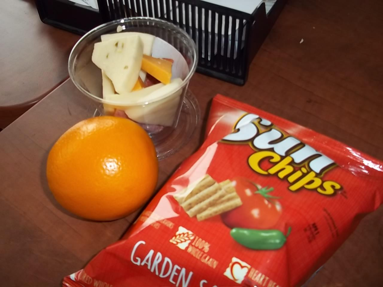 How to snack healthy on campus
