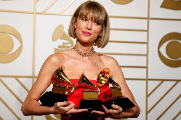 Taylor+Swift+wins+big+at+58th+Grammy+Awards