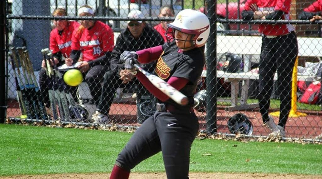 Softball defeats Mercyhurst in doubleheader at home