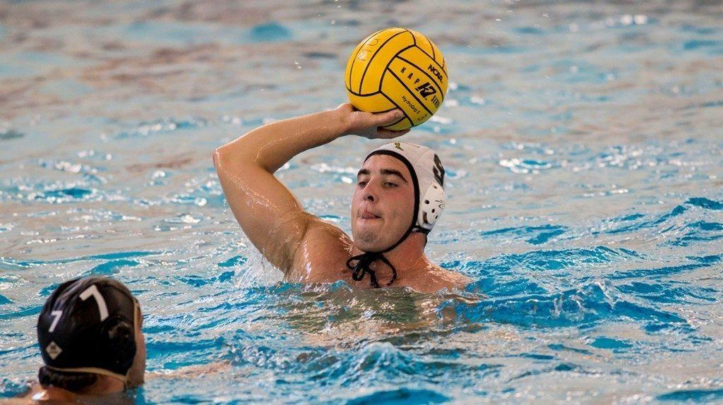 Men's water polo sweeps invitational