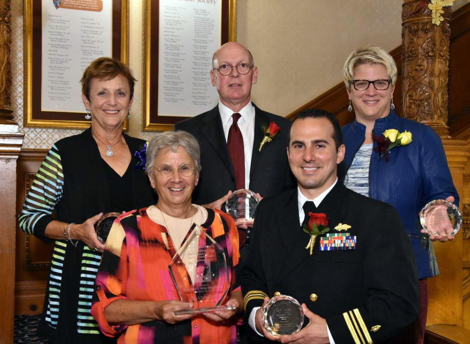 Gannon honors accomplished alumni at dinner