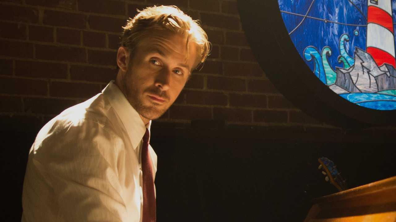 'La La Land' enchants viewers, critics alike