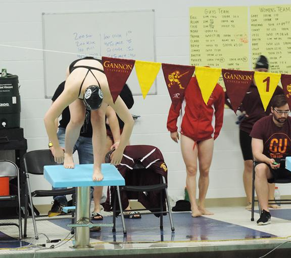 Women's swimming falls to Edinboro