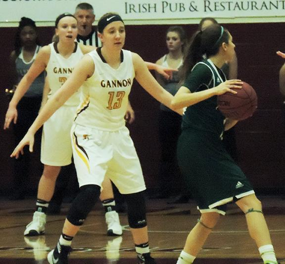 Women's basketball goes 1-1 in PSAC games