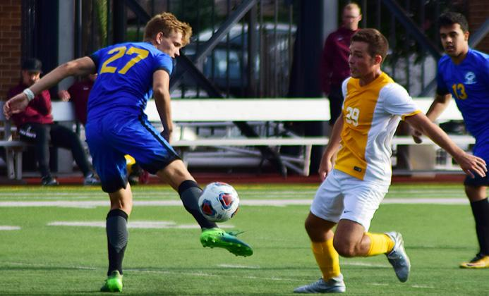 Men's soccer sweeps Salem International, Lock Haven