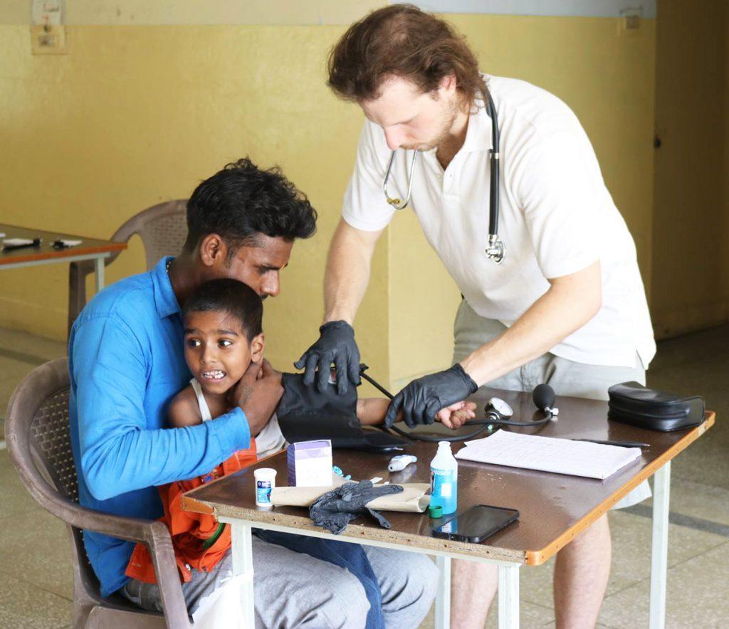 Students serve Shankar Service Foundation