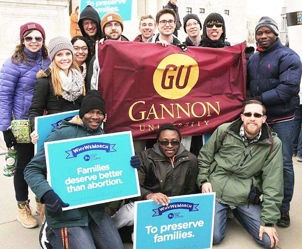 Students+traveling+for+pro-life+march