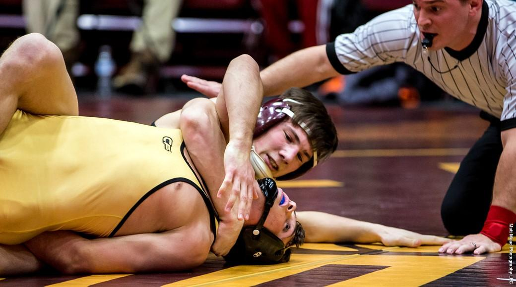 Men's wrestling wins on back-to-back days