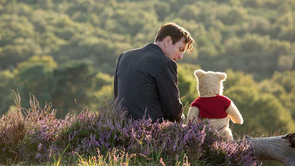 Christopher+Robin.+%28Ewan+McGregor%29+with+his+long+time+friend+Winnie+the+Pooh+in+Disney%E2%80%99s+live-action+adventure+CHRISTOPHER+ROBIN.