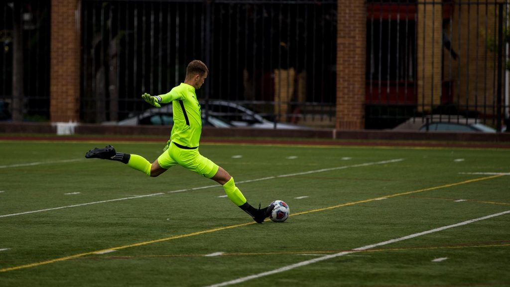 Men's soccer continues dominance while women defeat Mercyhurst
