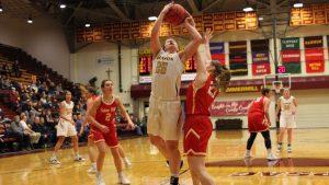 Women's basketball extends winning streak to four games