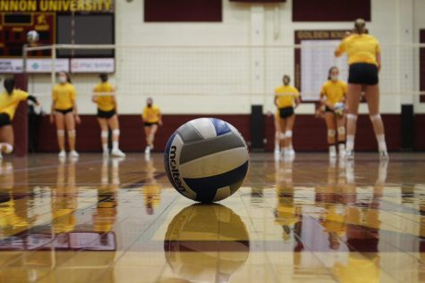 Women's volleyball stays ready for new season