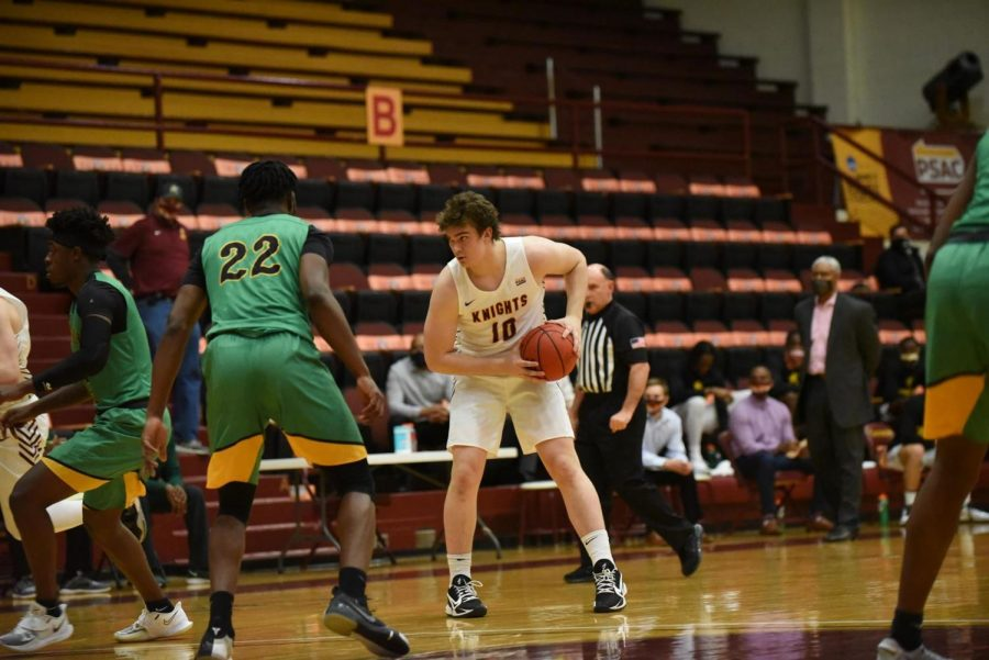 Gannon%27s+Kevin+Dodds+leads+the+Knights+to+victory+against+Kentucky+State+with+a+double-double.